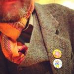 スコットランドが誇る高級毛織物ハリスツイードのジャケットに、ノーマンの奥様からもらった☆バッヂが光る