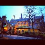 グラスゴー大学周辺に着きました。1451年から続く、由緒正しい大学。