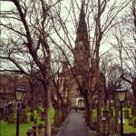 教会とお墓がある!